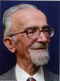 محمود کیانوش